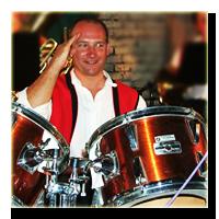 Heigl Friedrich am Schlagzeug