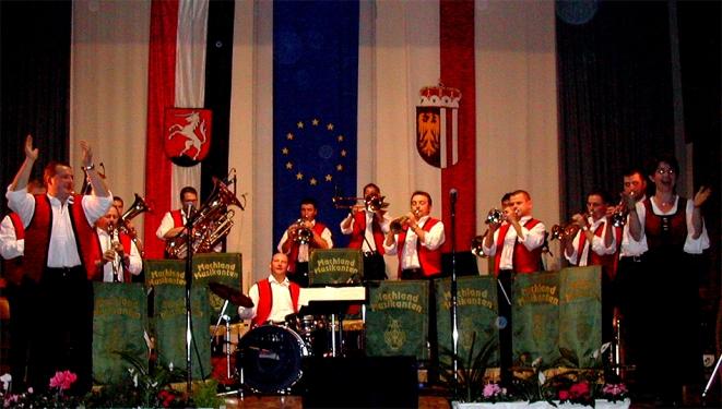 Gaben ein tolles Konzert zum 10-Jahre-Jubiläum: die Machland Musikanten spielten in der ÖTB-Halle