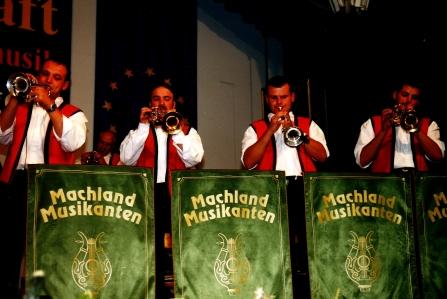 Die Trompeten-Fanfaren der Machland Musikanten erschallten am 18. Juli 2001 auf der Mittelstation der Schladminger Planai