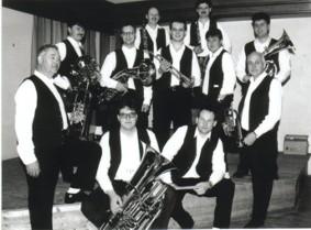 Eines der ersten Gruppenfotos der Machland Musikanten